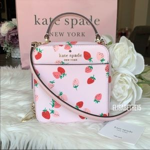 Kate Spade Daisy Wild Strawberries Crossbody